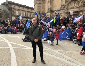 Ben with pro-Europe supporters